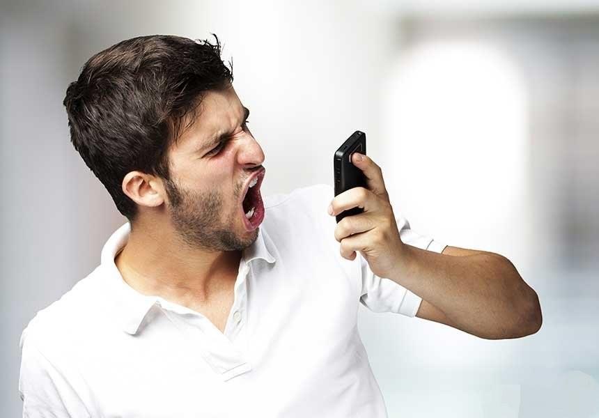 دلایل هنگ کردن موبایل